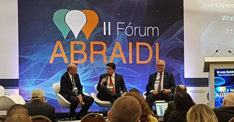 II Fórum ABRAIDI aborda crise na saúde e incentiva mudanças