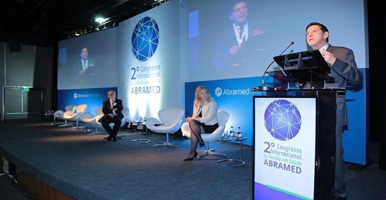 Secretário da Saúde do Estado de São Paulo fala sobre os desafios do setor durante Congresso da ABRAMED